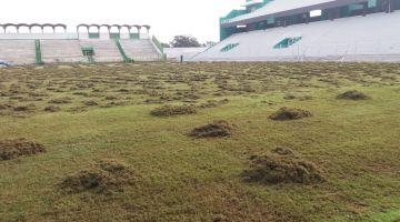 """وضعية الملعب البلدي بالقنيطرة..رباح يوضح لـ""""كود"""": إصلاح الملعب بيد جامعة لقجع ووزارة التجهيز"""