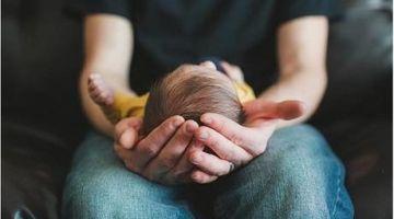 الاعتراف بالدراري المولودين خارج الزواج.. جمعية فيمينيست كاعية على محكمة النقض وباغية إصلاح شامل لمدونة الأسرة