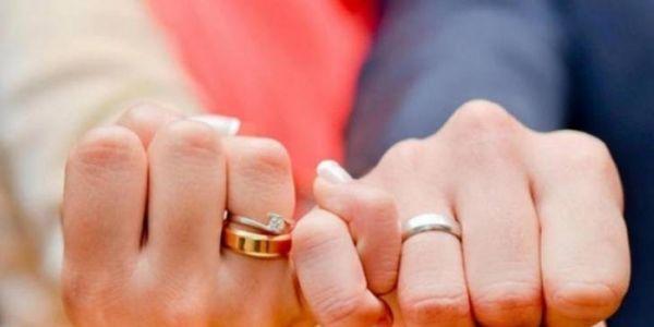 دراسة: العراسات لي كيتقامو ببزاف ديال الفلوس كيساليو بالطلاق