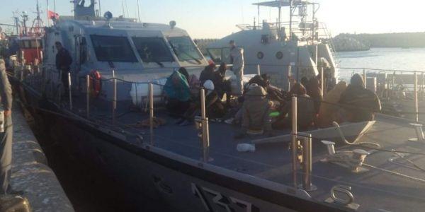 البحرية الملكية عتقات 40 حراكَ من جنسيات إفريقية نواحي بوجدور من موت محقق