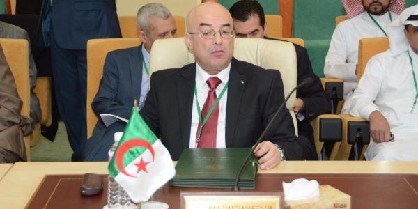 """وزير الداخلية الجزائري شعل الشعب بعد وصف معارضي الانتخابات بـ""""الخونة والمثليين"""""""