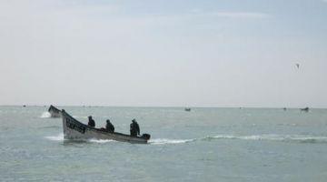 باركو ديال الصيد فيه جوج بحارة اختفى فسواحل الداخلة