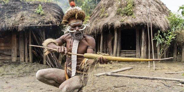 قبيلة كتاكل لحم البشر وكتقطع للعيالات صبعانهم – تصاور