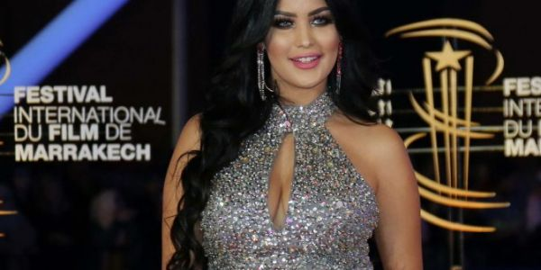 ابتسام مولات الكسوة ب6 ديال المليون قضات غرضها من البوز فمهرجان مراكش – تصاور