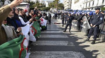 الانتخابات الرئاسية ف الجزاير بدات والحزب الحاكم كيدعم ميهوبي