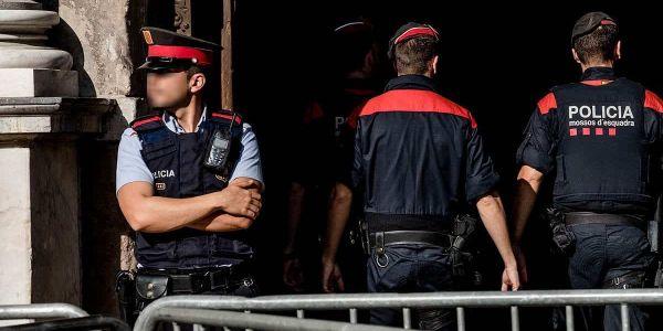 شرطة كتالونيا كتقلب على مجهولين كانو غايقتلو مغربي بعد ما خرج من لابواط