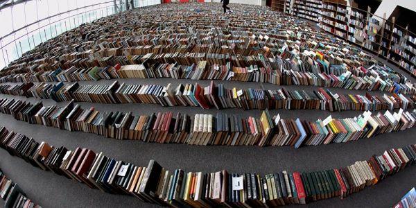 """دري عندو 14 العام دخل موسوعة """"كَينيس"""".. حفظ بدايات 129 كتاب"""