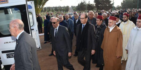 كبار رجال الدولة يمشون في جنازة والد الوزير نور الدين بوطيب
