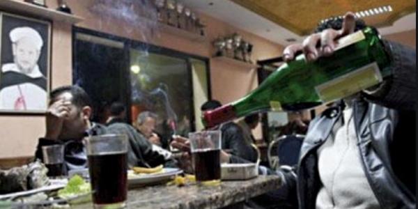 أزمة كورونا فرصة للمغاربة أنهم يسترجعوا بلادهم ويولي من حقهم يشربو بيرة فلاطيراس أو يمارسو الجنس بلا عقد زواج أو يكميو الحشيش قانوني عوض غير الأجانب لي من حقهم أغلب هادشي