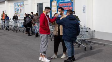 """ارتفاع عدد المصابين بـ""""كُورُونَا"""" فيروس ف الطاليان لأكثر من 400 مصاب وها المناطق اللّي فيها الخطورة"""