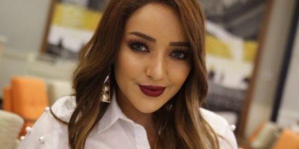 المغنية جميلة البدوي سكنات في سناب شات.. وولات مختصة ففيديوهات الماكياج
