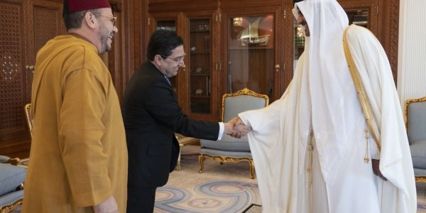 مستشار الملك خرق الحصار السعودي الإماراتي على قطر. مشى من الرياض للدوحة فطيارة مغربية
