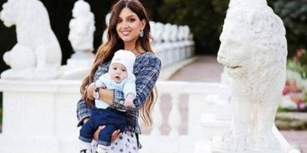 ملكة جمال روسيا فرشات طليقها ملك ماليزيا: خاني من بعد يوماين ديال الزواج