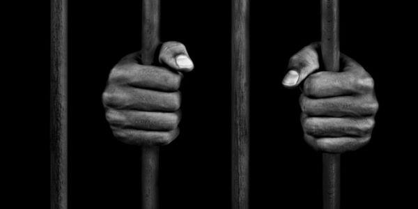 """النيابة العامة خرجات فضيحة حقوقية من الحفظ: تعليمات جديدة لفتح تحقيق شامل حول تعذيب واغتصاب محابسي سابق بـ""""كراطة"""""""