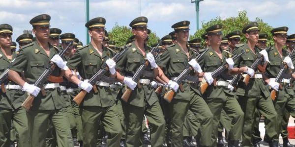 وزارة الدفاع الجزائرية دافعات على مقترح إرسال الجيش برا الحدود