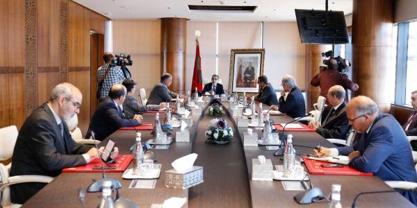 """بسباب """"كورونا فيروس"""". اجتماع رئيس الحكومة والنقابات: ها باش خرجو"""