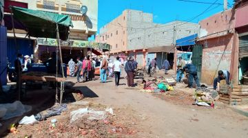 السلطات المحلية للعيون حولات السوق وبعداتو على الساكنة خوفا من كورونا