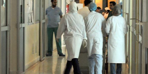 """مصدر من وزارة الصحة: ها شحال من طبيب مصاب ب""""كورونا"""" فالمغرب"""