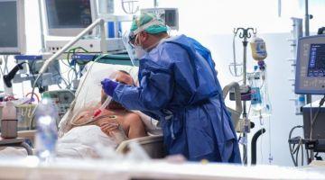 """عاجل..وصلنا لـ 556 : 22 حالة جديدة مصابة بـ""""كورونا"""" غير ف3 ساعات وارتفاع حالات الشفاء لـ15"""