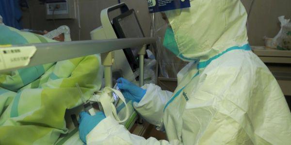التحاليل المخبرية بعدات كورونا على طبيبة فمراكش