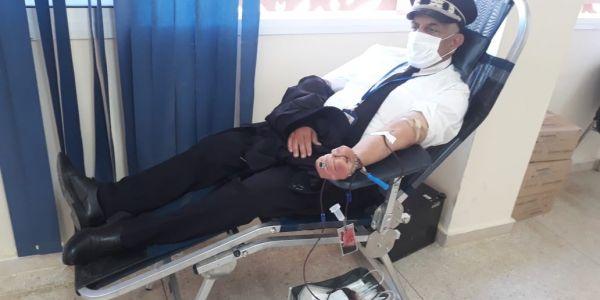 خطوة إنسانية فزمن كورونا.. عناصر الأمن بالعيون تبرعوا بالدم – تصاور