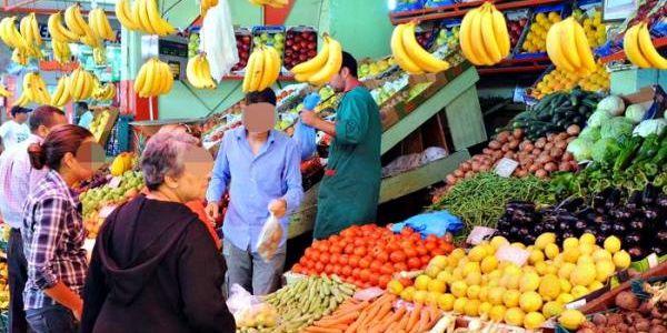 السلطات ف مولاي يعقوب زادت من عمليات المراقبة ديال أسعار المواد الغذائية ودايرة حملة على المحتكرين