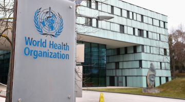 كورونا.. بريطانيا غادي تعطي 430 مليون دولار لمنظمة الصحة العالمية