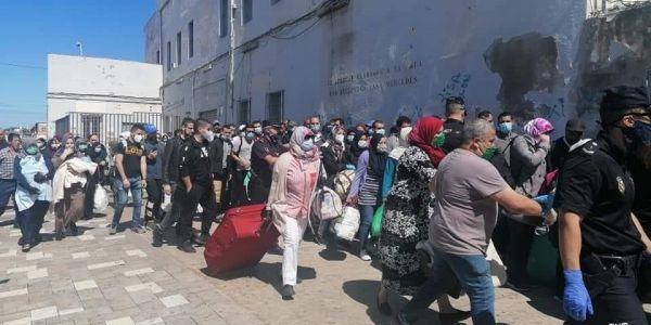 نايضة بين المغرب والصبليون على العالقين المغاربة فمليلية وسبتة
