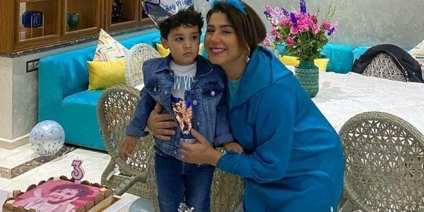 شمع ونفاخات.. هدى سعد محتافلة بعيد ميلاد ولدها فارس فزمان كورونا – تصاور