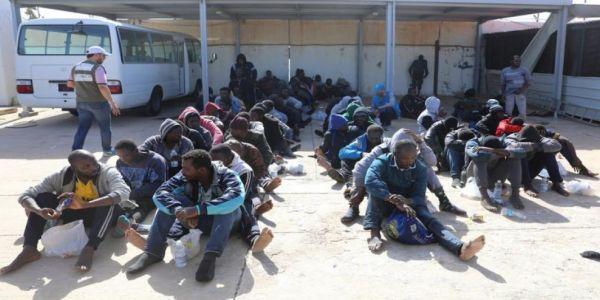محاولة فرار فاشلة لمهاجرين من مركز استقبال فالعيون وكانو معاهم 12 فيهم كورونا