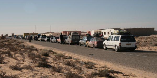 السفارة الموريتانية فالرباط: العالقين فالمغرب غادي يبداو يرجعو من اليوم عبر الكركرات