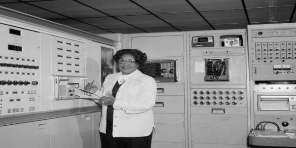 ناسا قررات تسمي مقرها فواشنطن بسمية ماري جاكسون لي هي أول مهندسة مريكانية من أصول أفريقية