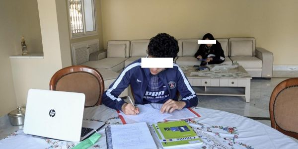 """تلميذ مصاب بـ""""كورونا"""" غادي يدوّز الامتحان ديال البَاكْ والمدير الإقليمي للتعليم بالقنطيرة لـ""""كود"""":  غادي يدوز فبنسليمان بحال باقي التلاميذ"""
