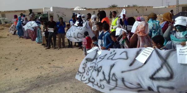 الإحتجاجات رجعات لمخيمات تندوف وتطويق عسكري للبوليساريو