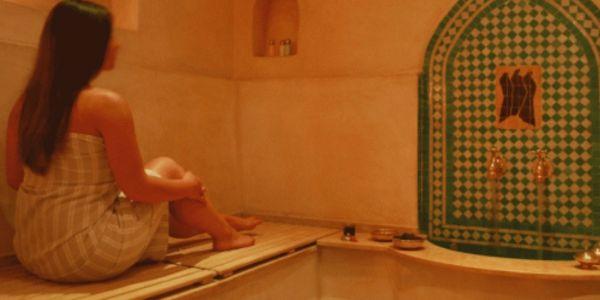 """كيفاش غتكون الإجراءات الوقائية فالحمام؟ ممثلة أرباب الحمامات لـ""""كود"""": غننظمو الاستقبال للحفاظ على مسافة الأمان والدخول بالكمامة إجباري"""