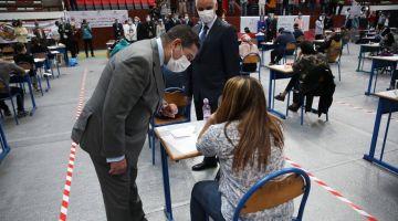 """رئيس الحكومة: اليوم الأول من الامتحانات ديال """"البَاكْ"""" داز وفق إجراءات وقائية صارمة"""
