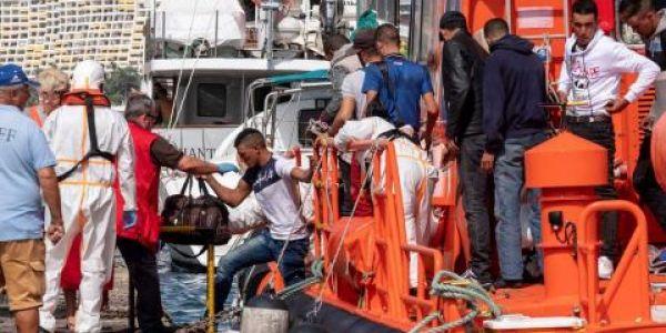 جوج قوارب ديال لحريكَ وصلو اليوم لكناريا و100 من أصل 135 حالة كورونا لحراكَة