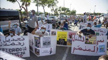 بالصور. المهاجرين المغاربة احتجو فاسبانيا على الوضعية لي كيعيشوها
