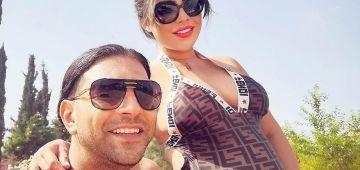 الممثل أنس الباز ومراتو الأندونيسية عايشين الحب والغرام فانتظار ولدهم اللول -تصاور