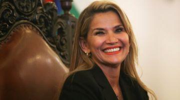 رئيسة بوليفيا تقاست بكورونا – فيديو