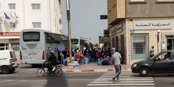 الداخلة: عالقين من موريتانيا وكوت ديفوار بداو كيرجعو لبلدانهم عبر الكركرات