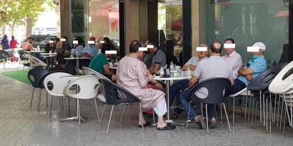 القهاوي والمطاعم وحتى الحلاقة ففاس غادي يبداو يسدُّو مع الـ8 ديال اللّيل واللّي حصل يودي
