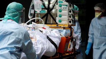 طبيب مات فكازا بسباب كورونا. الڤيروس قتل 3 اطباء فالدار البيضاء وقاس 64 فرملي وفرملية