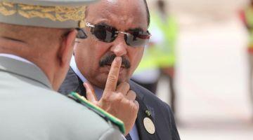 رئيس موريتانيا السابق طلع شفيفير. جمدو ليه حساباتو البنكية وحسابات عائلتو وحجزو طونوبيلات وكاميوات دياولو