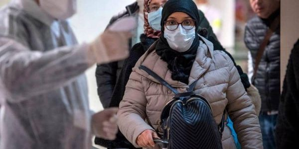 وزارة الصحة مستمرة فالتحسيس: المغرب دوز اكفس سيمانة على مستوى انتشار فيروس كورونا.. وإلى عندك مرا حاملة فالدار ولا راجل كبير ولا مريض خاصك تكون مسؤول