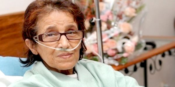 وزيرة الثقافة السابقة ثريا جبران مريضة.. وگاع الفنانين المغاربة تعاطفو معها