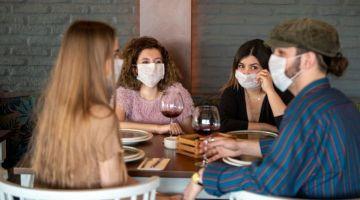 صرخة مالك مطاعم كازاوي: واك واك راه كنموتو وياك كورونا تراجعات علاش مازال قاتلينا بالتسعود وفتحو وفرضو الپاس سانيتار