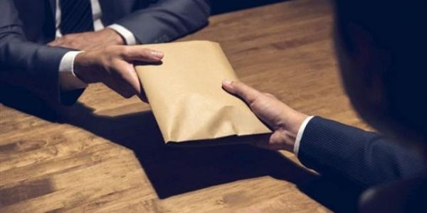 """متهمون فقضايا الفساد المالي كيوجدو يدخلو الانتخابات عاوتاني.. والغلوسي لـ""""كَود"""": السبب ضعف الإجراءات والمتابعات والأحكام القضائية"""