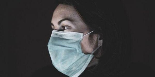 دراسة: العيالات أكثر عرضة للإصابة بواحد من أعراض كورونا ولمدة طويلة
