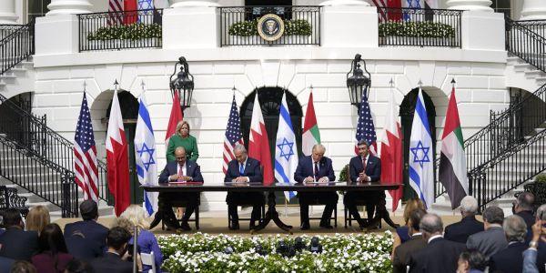 السودان تطبع علاقاتها مع اسرائيل. الزراعة والطيران والهجرة اولى الاتفاقيات المشتركة وميريكان حيداتها من الدول الراعية للارهاب